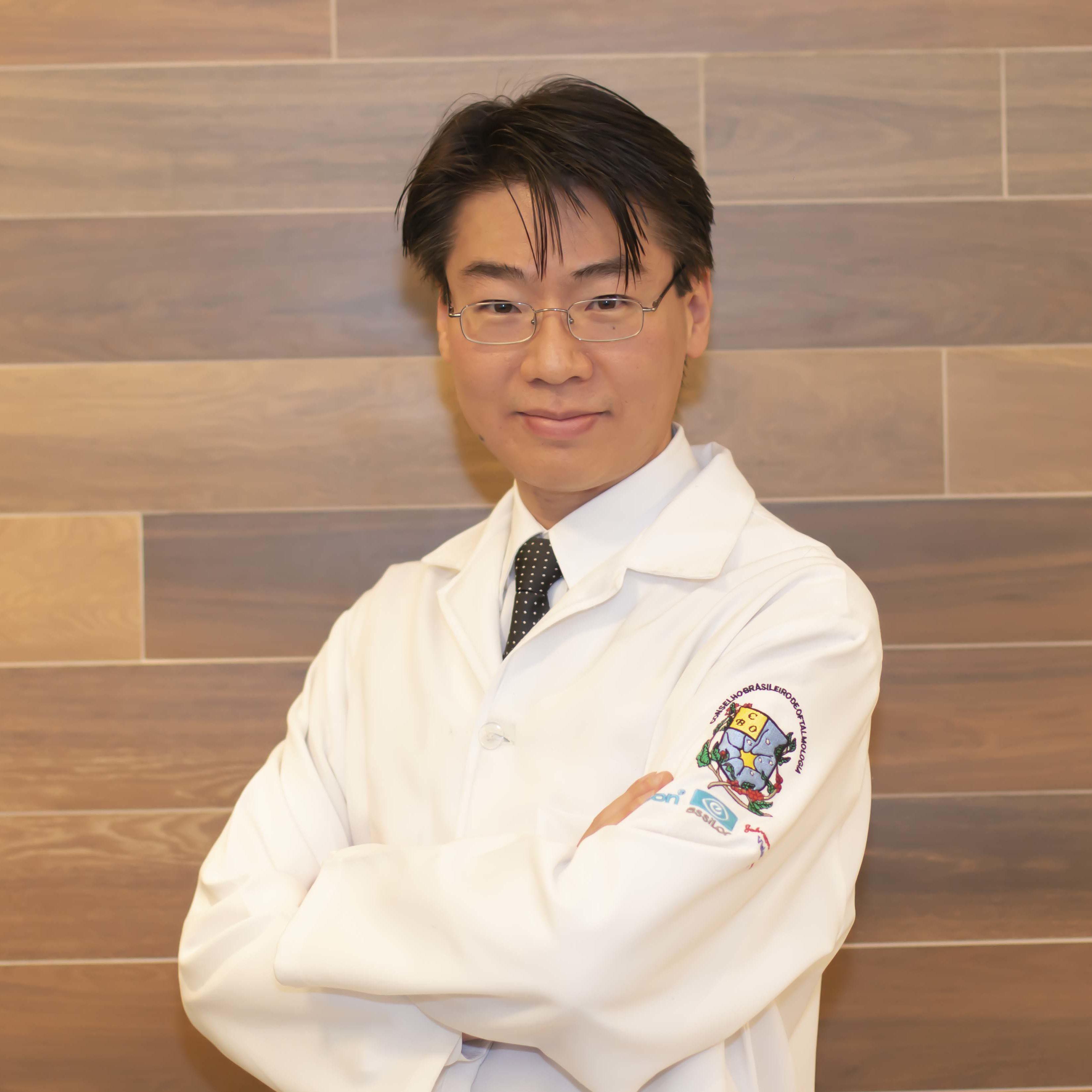 Dr. Marcos Ribeiro Chin